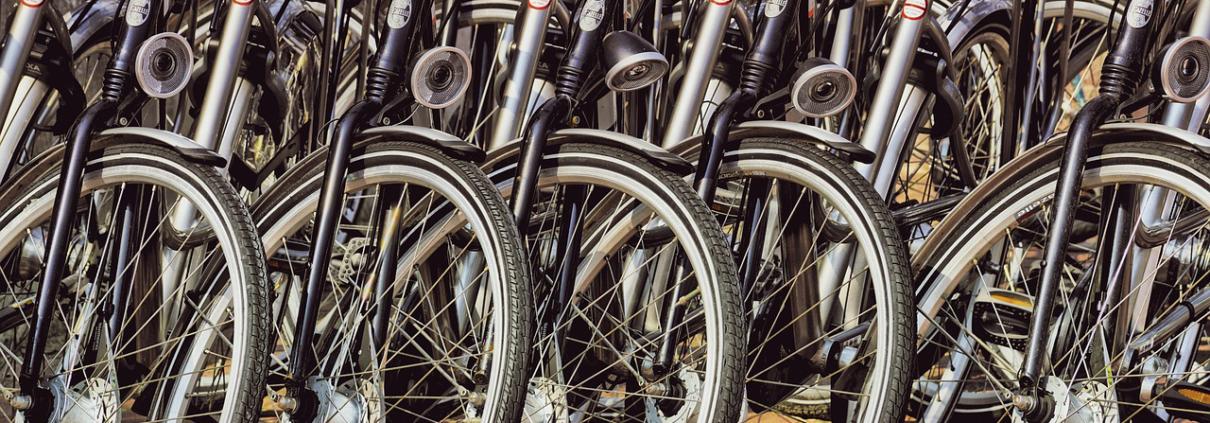 Viele Räder nebeneinander Reifenansicht